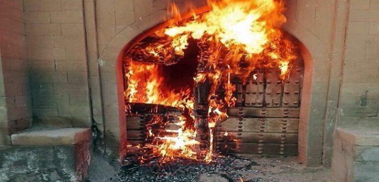 در و دیوار خانه تاریخی مرعشی شوشتر را آتش زدند