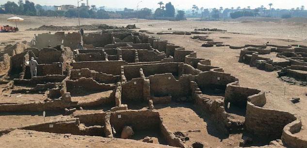 شهر طلایی گمشده مصر چگونه آشکار شد؟/شهر گمشده ۳۴۰۰ سال قبل توسط فرعون آمنهوتپ به فرزندش اهداء شد/فرعون سرکش مصر چرا شهر طلایی را رها کرد؟